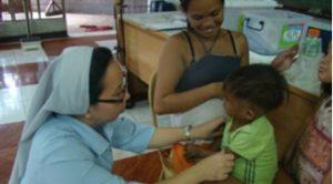 Check up des enfants du centre d'accueil de Tondo (Philippines)