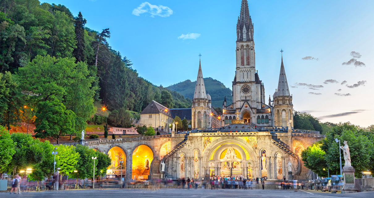 See Photos With 2018 Photos: Pèlerinage International Lourdes 2018
